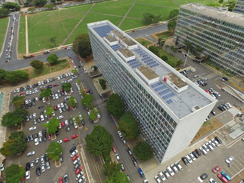 Energia solar residencial empresarial e industrial for Ministerio de minas